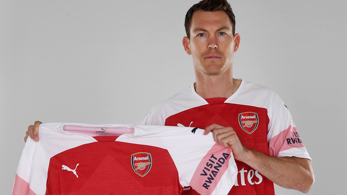 Stephan Lichtsteiner to join the club