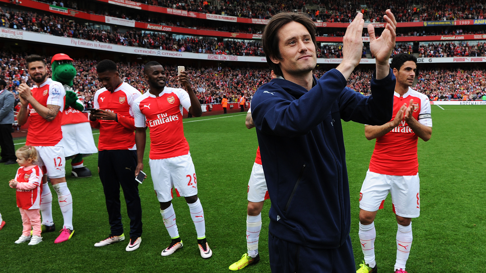 first rate d2f74 db9df Tomas Rosicky's message to the Arsenal fans | Interview ...