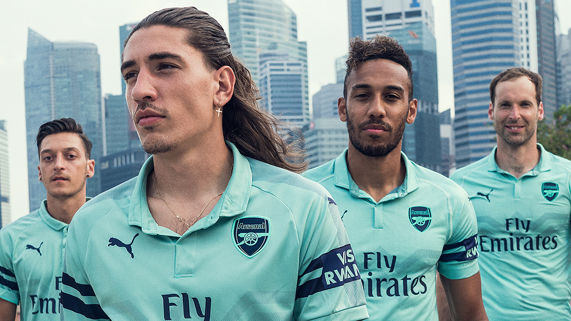 Arsenal and PUMA unveil third kit in Singapore  1cad01429