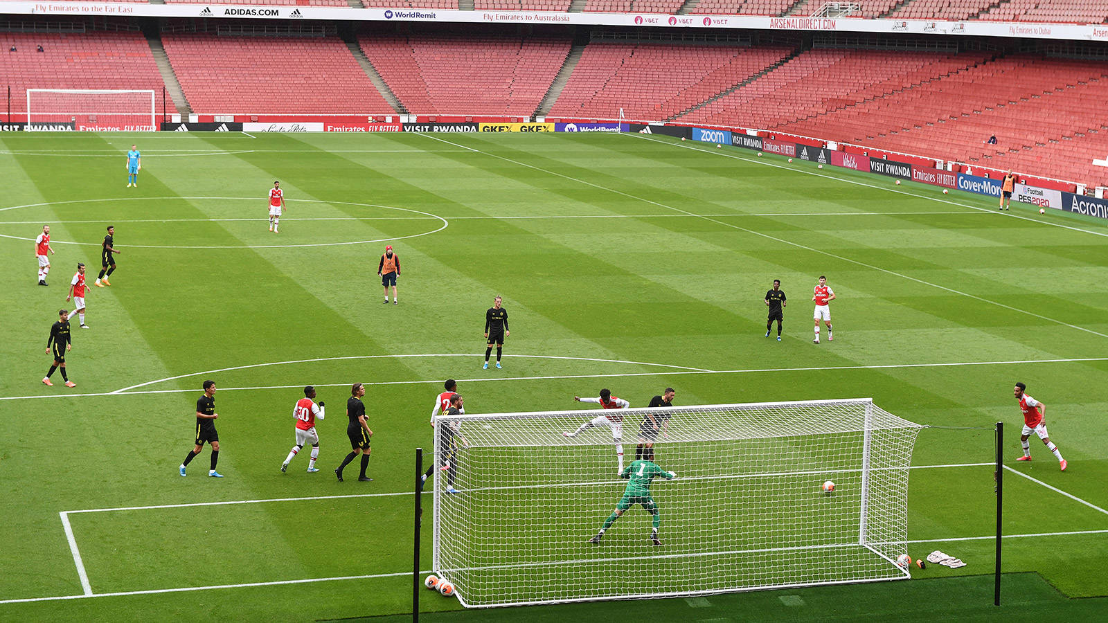 - Match Arsenal  | 2-3 Friendly: report Post Brentford