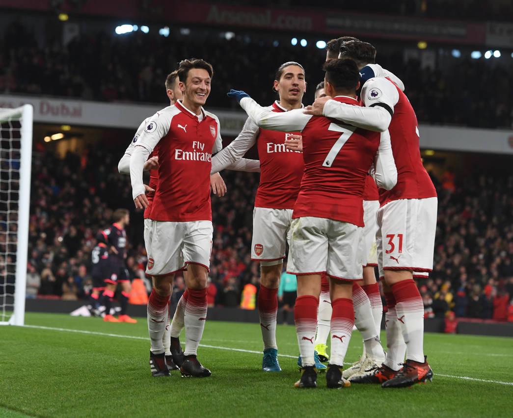 Los jugadores del Arsenal celebran uno de los goles ante el Huddersfield | Fotografía: Arsenal