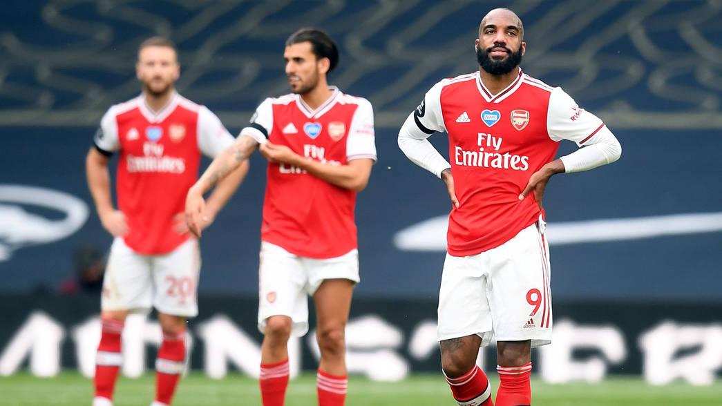Arsenal players look dismayed, target Brandt