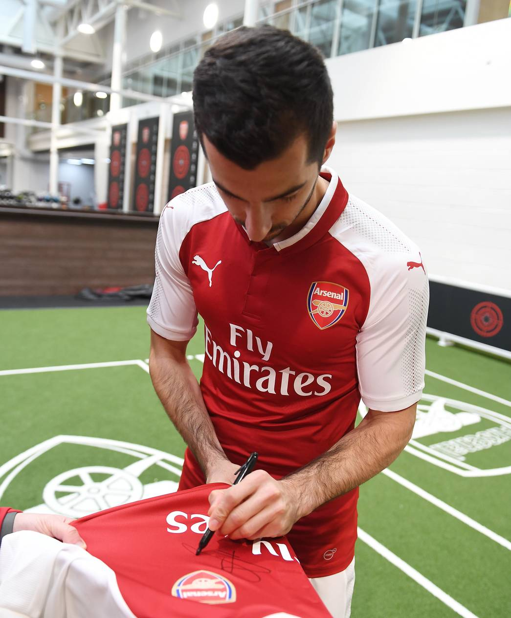 best service 84e8a c08e8 Pictures: Henrikh Mkhitaryan in Arsenal kit   Gallery   News ...