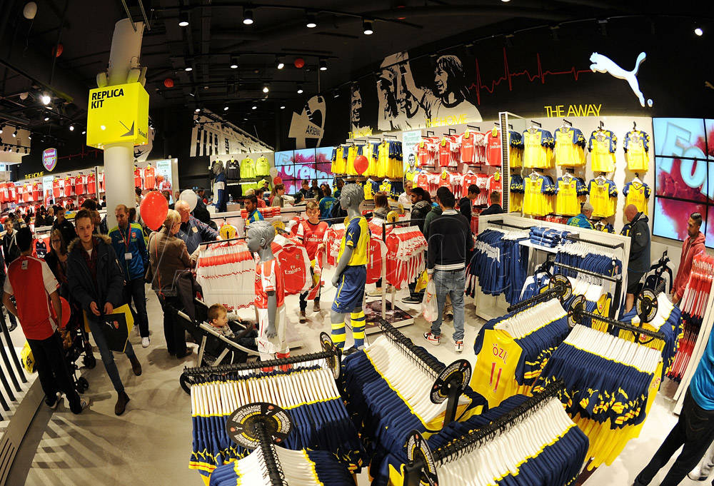 59c8db82a96 pictures: the new-look armoury reopens   news   arsenal