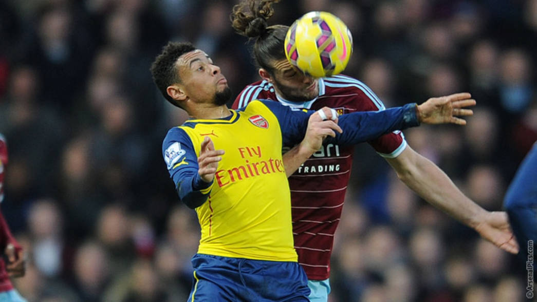 Francis Coquelin battles for possession