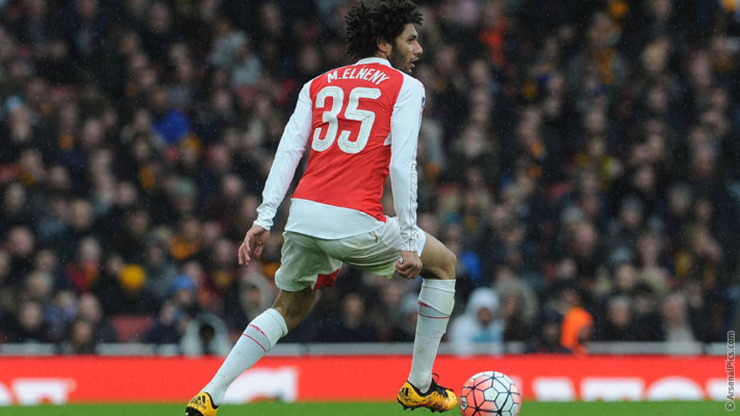 Mohamed Elneny in action against Hull City