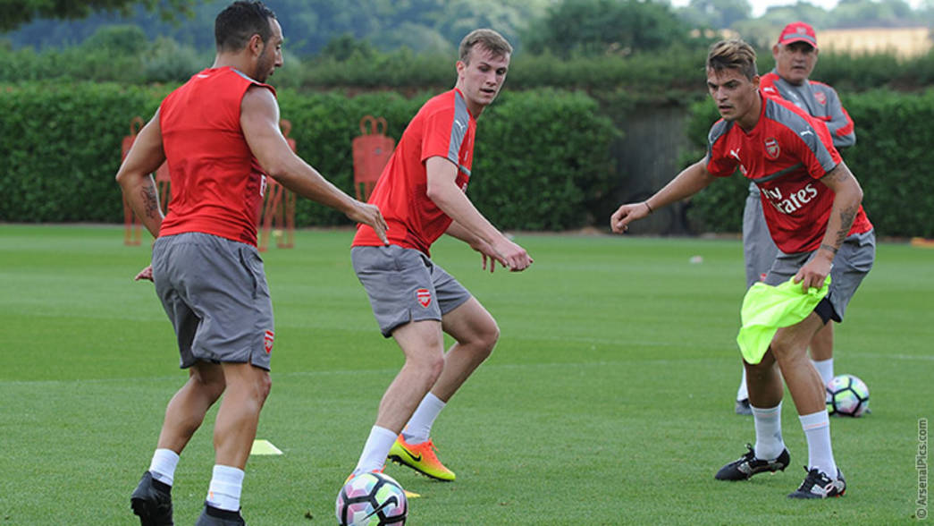 Rob Holding in training