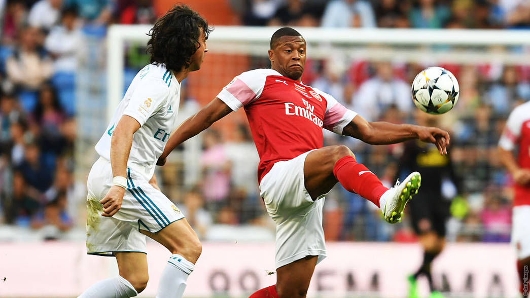 Julio Baptista in action against Real Madrid Legends