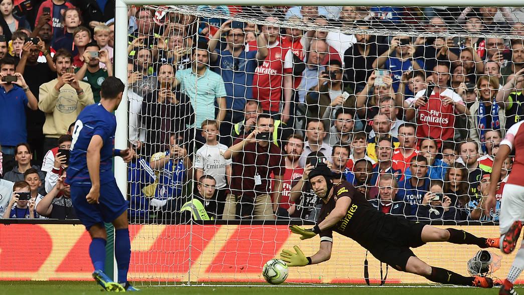 Cech denies Morata from the spot