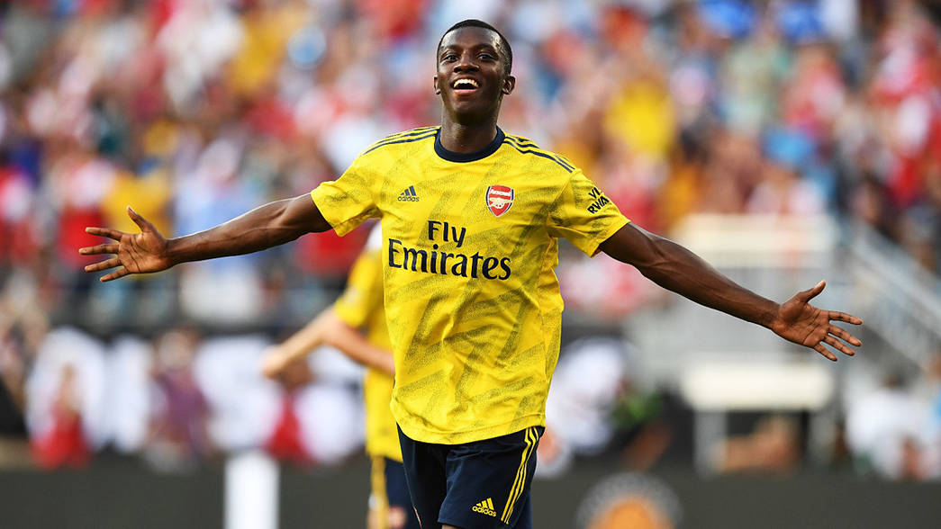 Eddie Nketiah celebrates scoring against Fiorentina