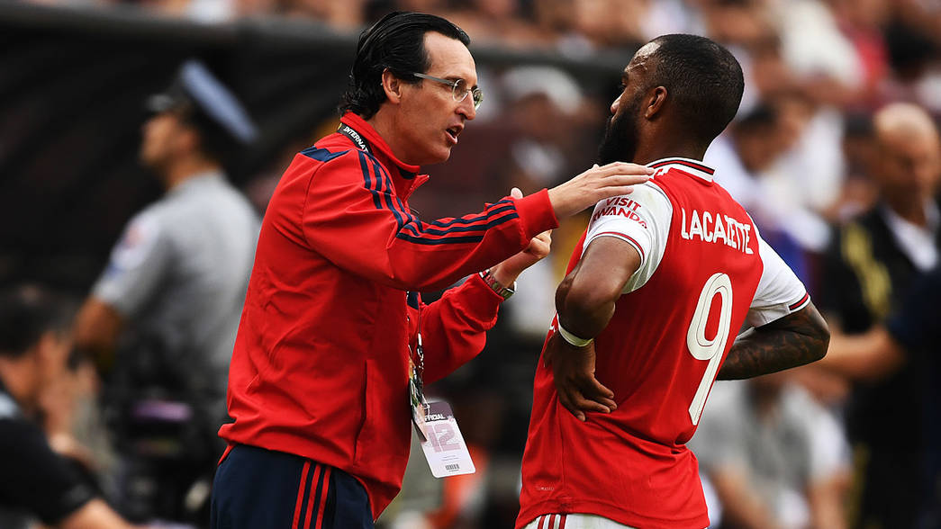 Unai Emery and Alex Lacazette during our pre-season match against Real Madrid in Maryland