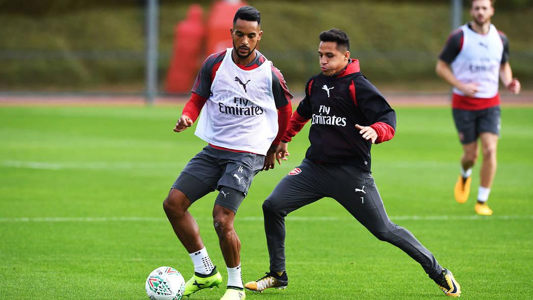 Theo Walcott és Alexis a képzésben
