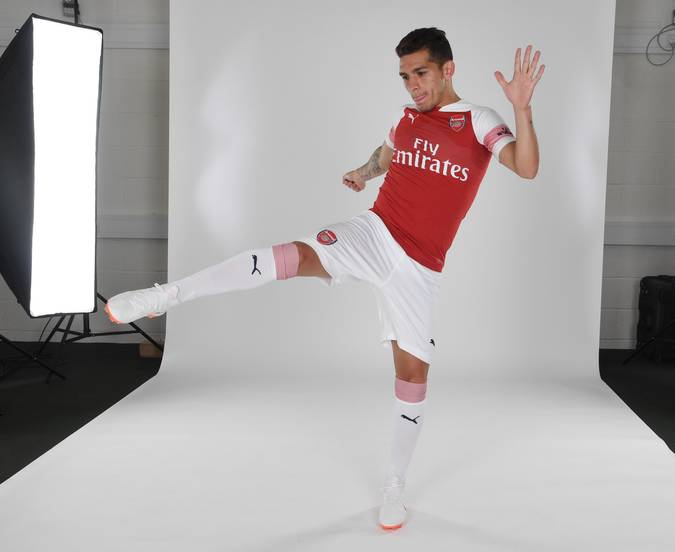 super popular 18c6c ca77c Photos] First Pictures Of Lucas Torreira In Arsenal Shirt ...