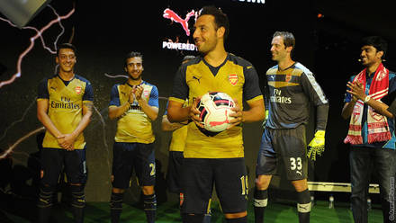 f328a2026 Pictures  Arsenal launch new away kit