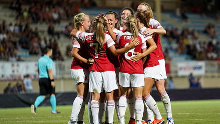 0fb45b67e Pictures  Arsenal Women lift trophy in Toulouse