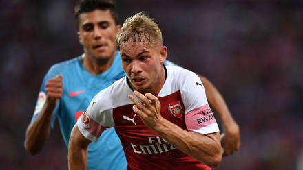 05a33431144 Emile Smith Rowe in action against Atletico Madrid